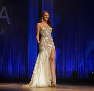 MartinaHoogland_MissAmericaArticle